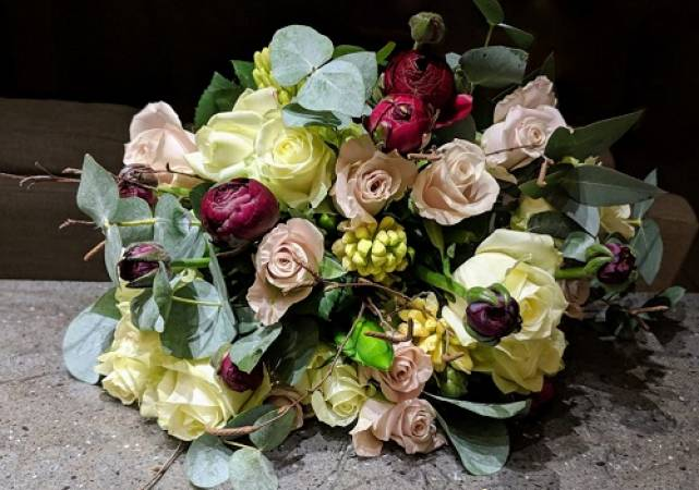 Flower Arranging Classes for Private Groups Northamptonshire Image 2