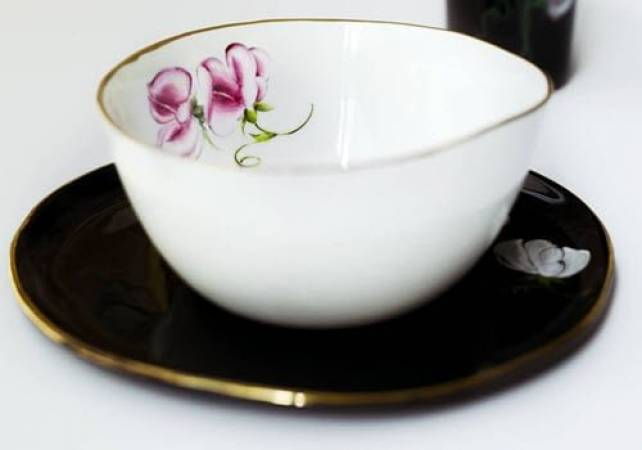 Fine porcelain painting workshop in London hand paint your own plate Image 5