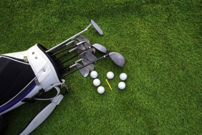 9 Hole Golf Lesson With a PGA Pro  at 140 UK Locations Image 3