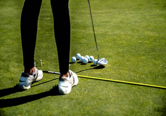 Golf Gifts For Her 1 Hour Lesson & 18 Holes with a Pro @ St Andrews Image 1