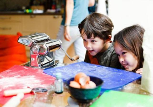 Kids Cooking Classes London - Age 2 - 9 Years Image 1