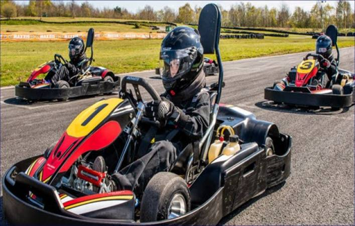 Karting for Intermediates 8 -15 yrs Suitable for Experienced Driver Image 5
