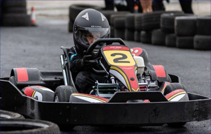 Karting for Intermediates 8 -15 yrs Suitable for Experienced Driver Image 3