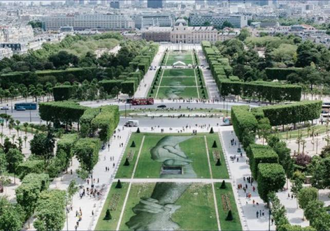 2.5 hour Exclusive Cultural Tour in Paris - LGE French Experiences Image 1