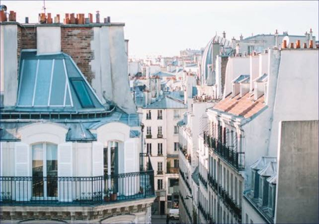 2.5 hour Exclusive Cultural Tour in Paris - LGE French Experiences Image 4