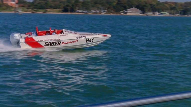 Speedboat Racing on the Solent Southampton in Powerboats for 18yrs+ Image 2