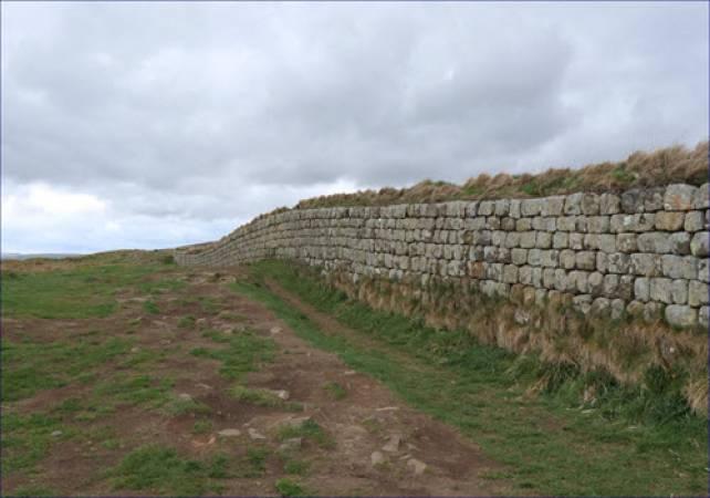 Full Day Walking tour Hadrian's Wall Image 4