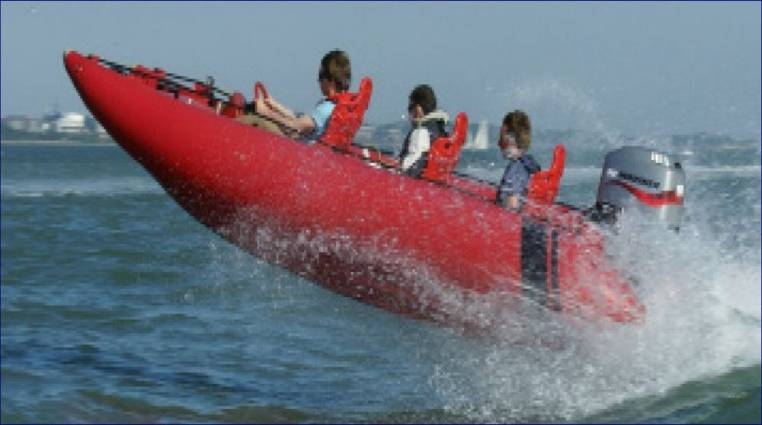 Wet & Wild Boating speed boat experiences Southampton Image 6