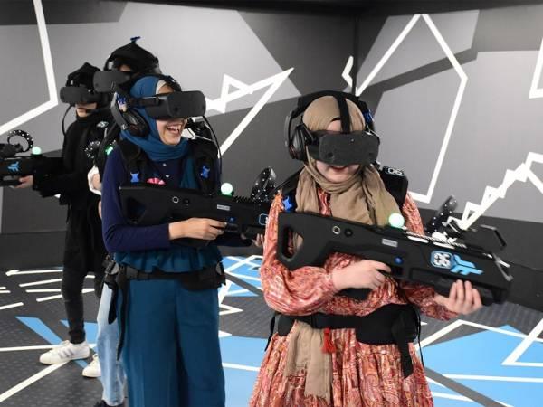 Outbreak Origins Free Roam Virtual Reality Experience Image 5