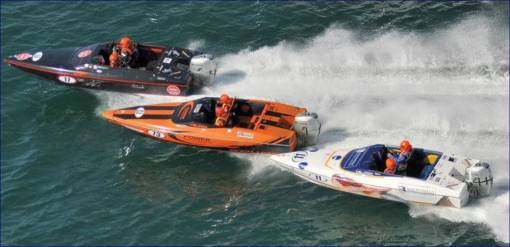 Speedboat Racing on the Solent Southampton in Powerboats for 18yrs+ Image