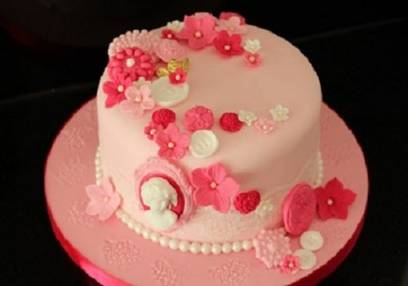 Cake Decorating Classes For Beginners Essex for 14 Years+ Image
