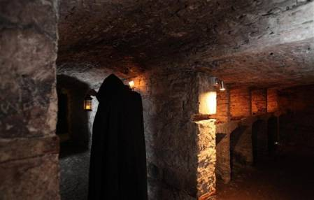 Ghost & Ghoul waking tour in historic streets of Edinburgh Image