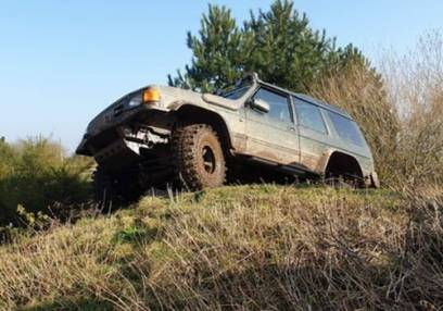 Full Day 4x4 Off Road Driving Nottiingham Upto 3 people in the price.