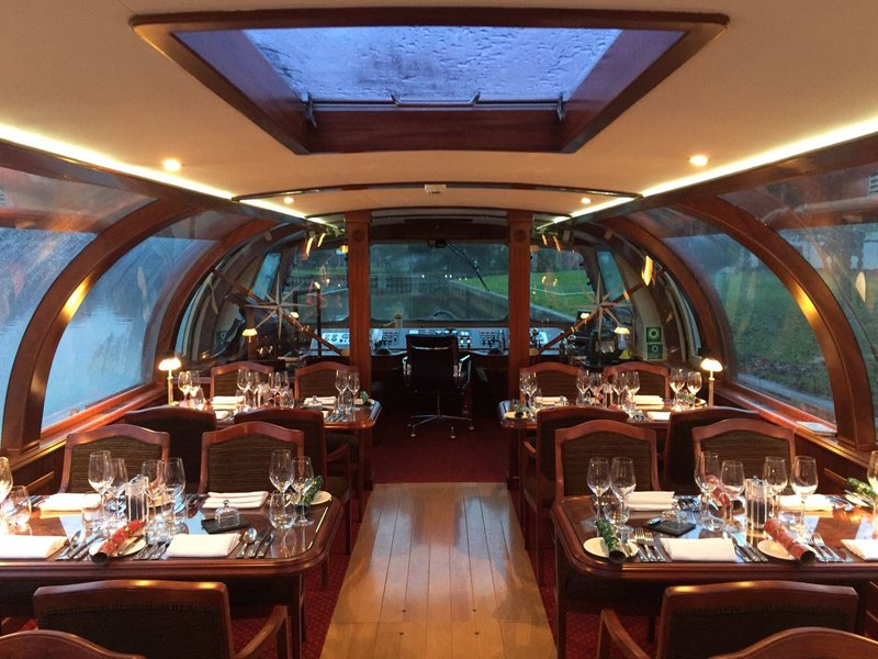 private bateaux luxury dining