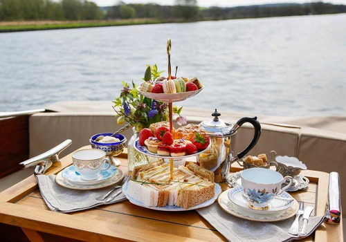 River Thames Cruise With Afternoon Tea For Four Gallery Image