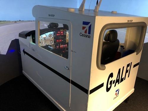 Flight Simulator in Cessna 172 Skyhawk Gallery Image