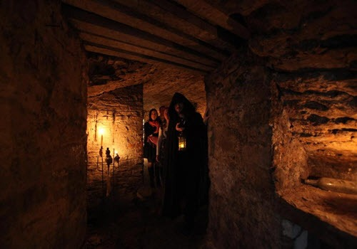 Hidden & Haunted Tours Edinburgh Mercat Tour Vault