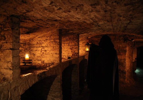 ghostly underground tours edinburgh