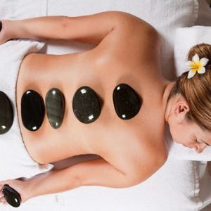 hot stone beauty treatment