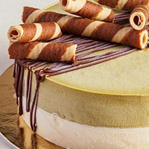 decorated ice cream cake