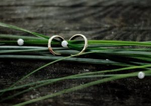 two rings and reeds
