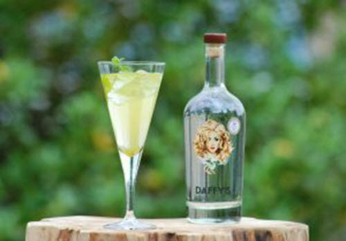 Almafi Amore Cocktail with Daffys Gin